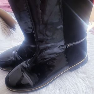 Black shinny front/suede in back of boots